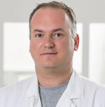 Dr-Srdjan-Mrdjen-thegem-portfolio-carusel-4x Poliklinika